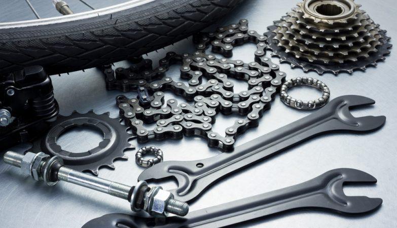 2 bonnes raisons de préférer les pièces d'occasion pour réparer votre moto